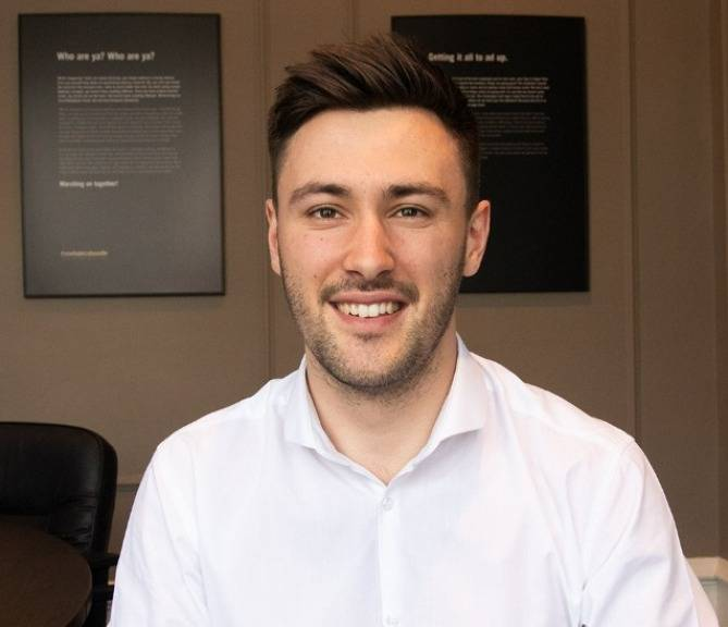 Oliver Hubbert Account Executive